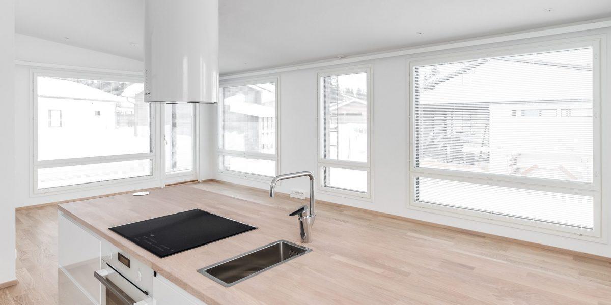 Myytävissä asunnoissa on keittiösaarekkeet, jotka helpottavat arkea