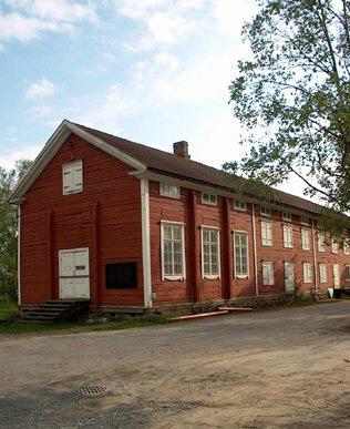 Uudiskohde rakennetaan vanhan sahateollisuuden alueelle. Kuvassa on alueen Sahamuseo.